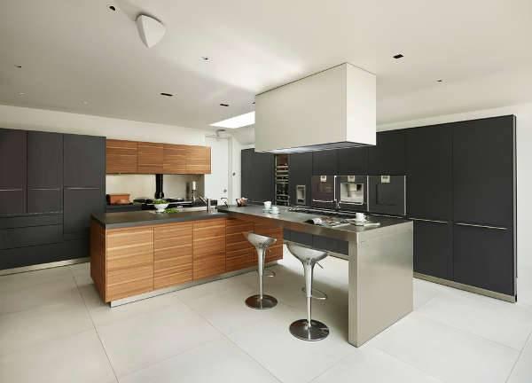 l shaped large kitchen