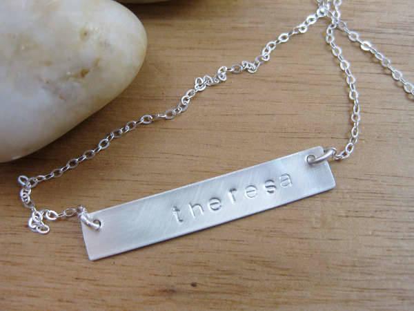 name bar necklace design