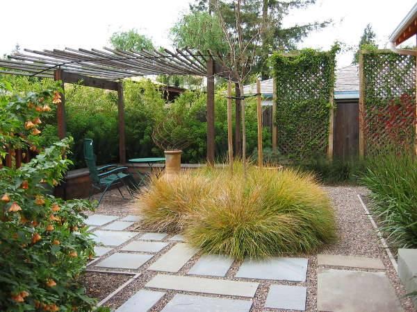 small cottage garden design