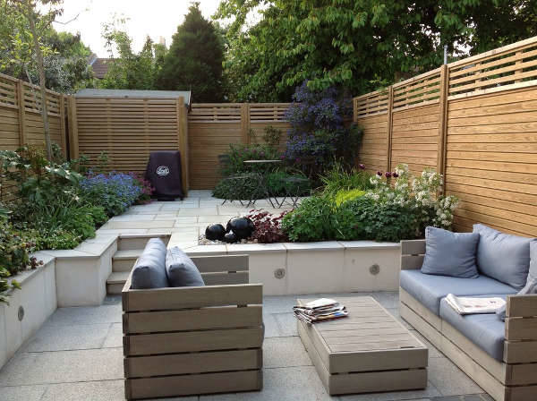 small patio garden idea