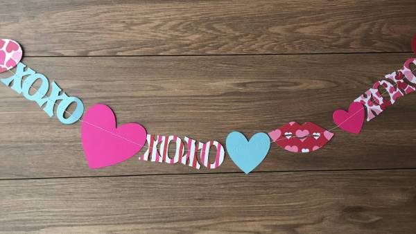Valentines Party Paper Banner