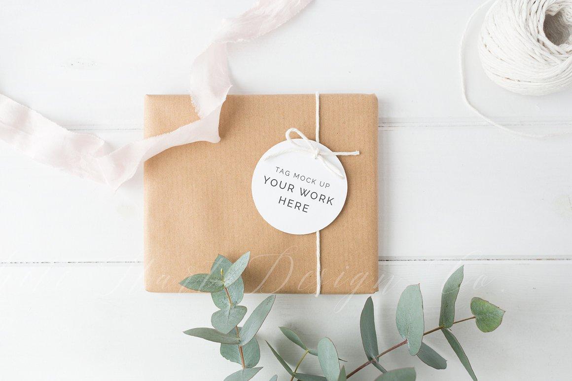 gift tag mockup design